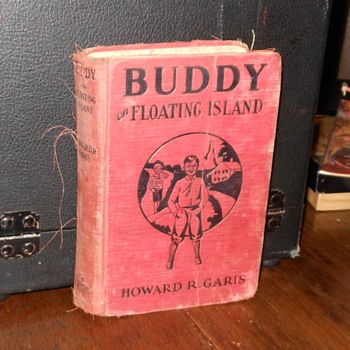 Buddy on Floating IslandHoward Garis 1933 - Books