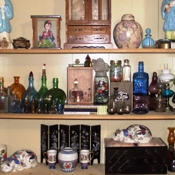 A to Z Shelfs...Bottles, Asian and Tiffany all in one... - Bottles