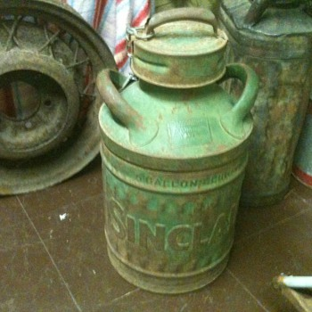 Embossed 5 Gallon Sinclair Oil Can