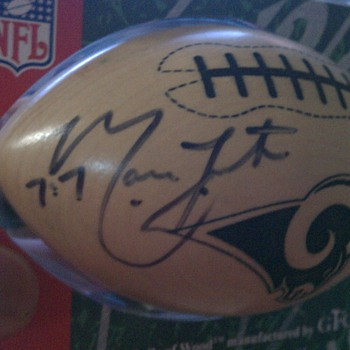 I need help figuring out whose signature this is!  - Football