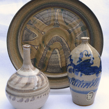 Frank Willett stoneware - Art Pottery