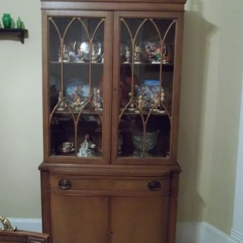 hummel collection and hutch