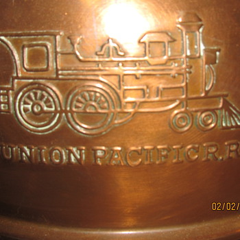 Union Pacific R.R spittoon - Railroadiana