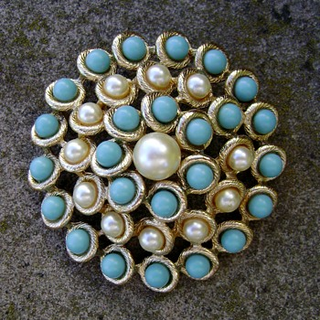 Vintage Emmons Brooch - Costume Jewelry