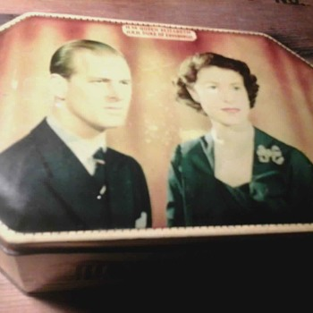 Queens Coronation Tin