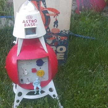"1960's ""Ideal"" Astro base !!!!!"