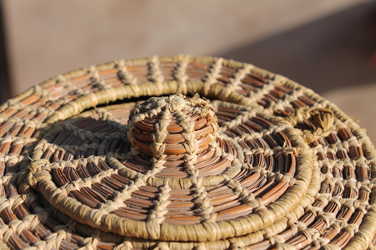 Woven Basket Small With Hinged Lid Seminole Pine Needle
