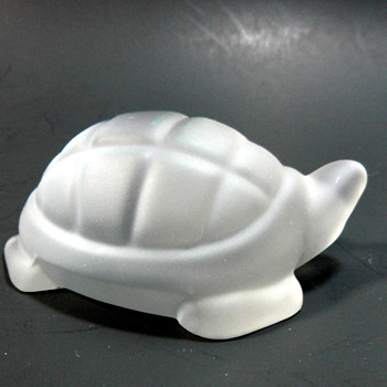 BACCARAT TORTOISE, MARKED. - Art Glass