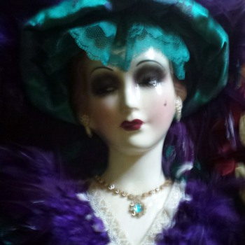Lovely Victorian Lady. - Art Deco