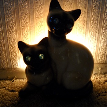 SIAMESE CAT T.V. LAMP - Lamps