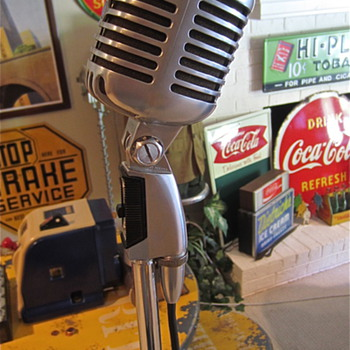 "The ""Elvis"" or Shure 55sw Mic/with cord and stand"