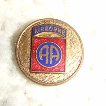 WW2 enameled Division/ unit insignia - Military and Wartime