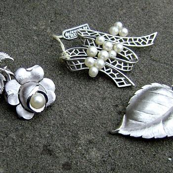 Vintage Silver Tone Trifari Brooches - Costume Jewelry
