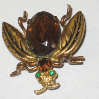 Bug pin/broach - Costume Jewelry