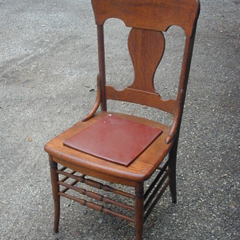 unknown oak chair