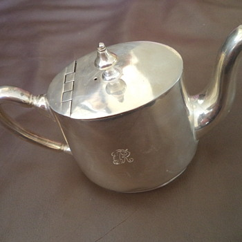 Silver plated Milk/or hot water for tea, by Elkington Silver. - Kitchen