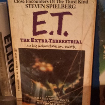 1982 E.T. Book - Books