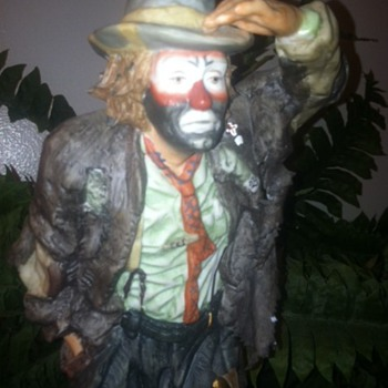 "Emmett Kelly Jr. 1981 ""Looking out to See"" Figurine - Figurines"