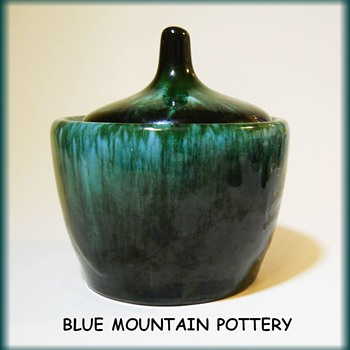 BLUE MOUNTAIN POTTERY - Canada ( Sugar Holder ) - Art Pottery