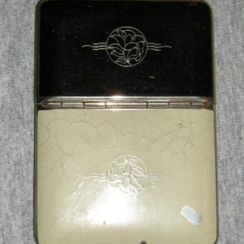 Richard Hudnut enamel compact/cigarette case - Accessories