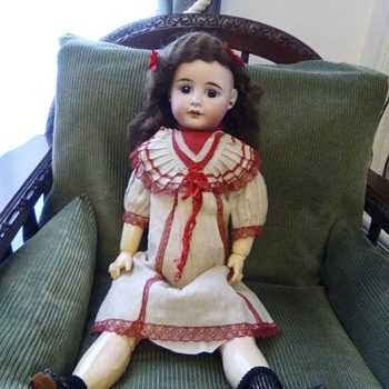 I need you to help me identify this other doll.