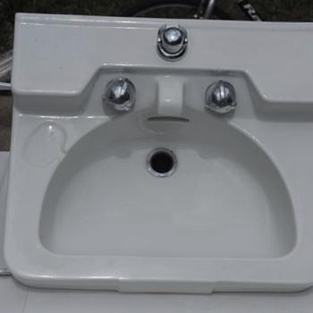 Crane Drexel sink - Mid-Century Modern