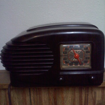 What did I buy Help please - Radios
