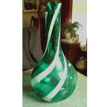 """An Alrose Original""  16"" Green With White Stripe Art Glass Vase (Empoli?) /Made in Italy /Circa 20th Century"