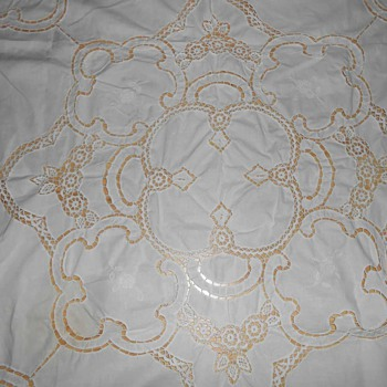 Tablecloth White Battenburg Lace 39 3/4'' x 38 3/4'' - Kitchen
