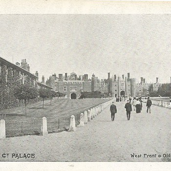 HAMPTON Ct. PALACE - WEST FRONT & OLD BARRACKS - Postcards