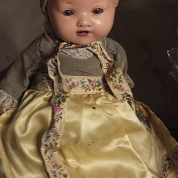 Help to identify doll