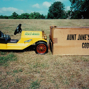 Aunt Janes Pickle-Mobile - Model Cars