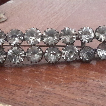 Quality 1920s rhinestone brooch