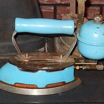 Coleman Model 4A Instant-Lite Gas Iron