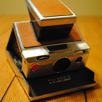 1972 Polaroid SX-70 Folding Camera - Cameras