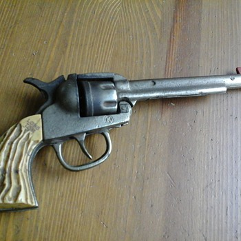 Rare Kilgore Long Tom Roy Rogers Signed Cap Gun