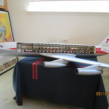 1 25 Metal Convair 880 TWA Cutaway Model