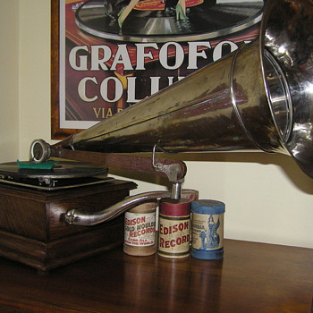 G&amp;T gramophone front mount gramophone C1900 - Records