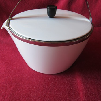 CorningWare Kettle