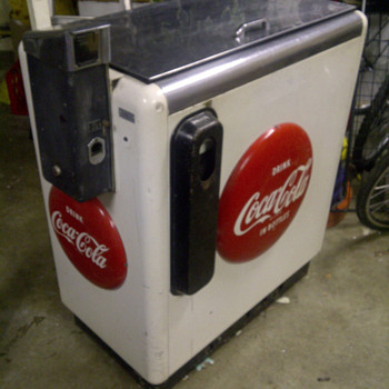 Can anyone tell me a little more about this Coke Machine?