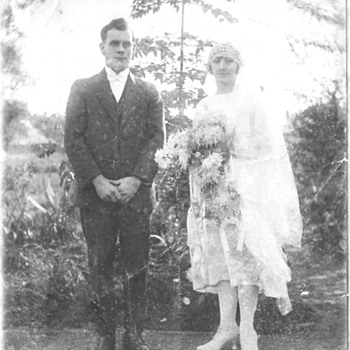 are this couple my great grandparents? - Accessories
