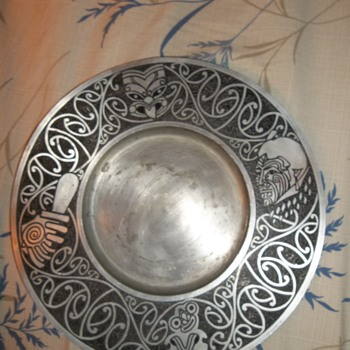 Akron Pewter tribal motif wall mounting handcrafted plate