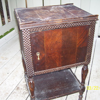 smoke stand 1800s  - Furniture