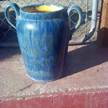 STONEWARE POT   Unmarked...?? - Art Pottery