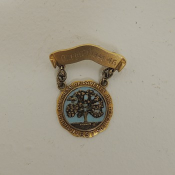 """National Congress of Parents and Teachers (PTA) 1897"" Pin - 10K Gold and Sterling - Oxford 1944-1945 - Medals Pins and Badges"