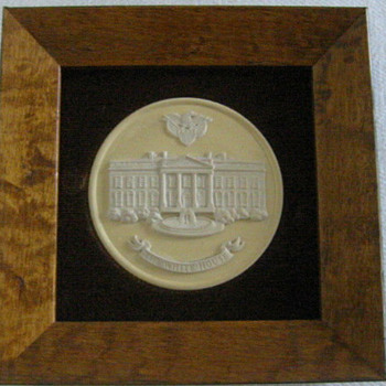 Framed Wedgwood Medallion - The White House - China and Dinnerware