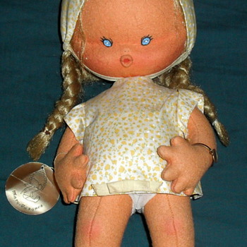 Wonderful Mary Vazquez Cloth Doll from Spain  1970-1980's - Dolls