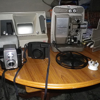 Camera related equipment, cameras and cine projectors which are today's Sunday Boot sale finds. - Cameras