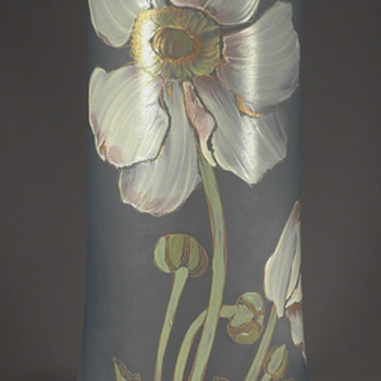 A Montjoie or Legras enameled glass vase ? - Art Glass
