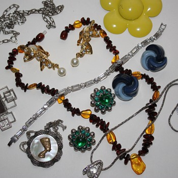 Vintage costume jewelry lot :)